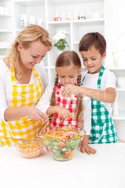 Utolsó érintés egészséges saláta friss család Stock fotó © ilona75