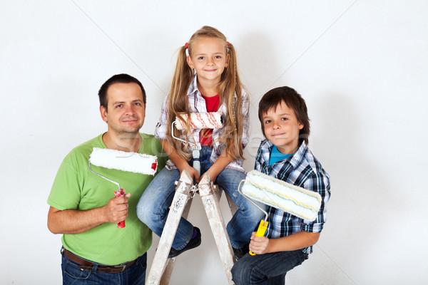 Melhoramento da casa pronto pintar quarto crianças pai Foto stock © ilona75