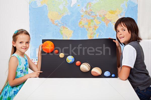 çocuklar bilim ev proje güneş sistemi Stok fotoğraf © ilona75