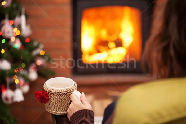 Stok fotoğraf: Kahve · şömine · Noel · zaman · kadın