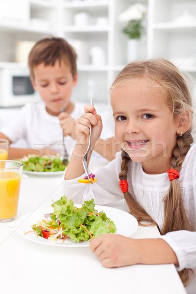 Mangiare sano colazione ragazzi cucina verdura ragazza Foto d'archivio © ilona75