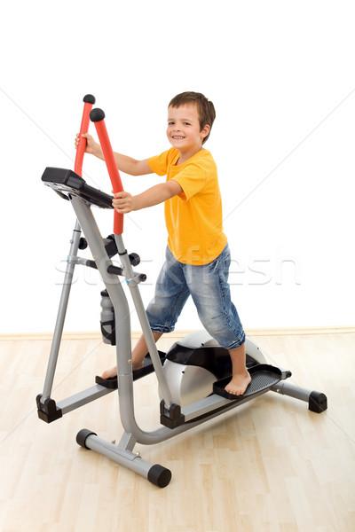 Stock fotó: Mosolyog · fiú · edző · tornaterem · játszik · boldog