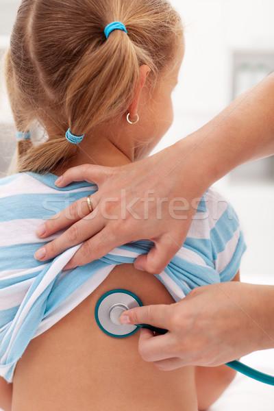 Сток-фото: девочку · врач · стороны · больницу · медсестры · назад
