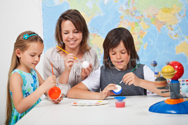 дети масштаба модель Солнечная система науки Сток-фото © ilona75