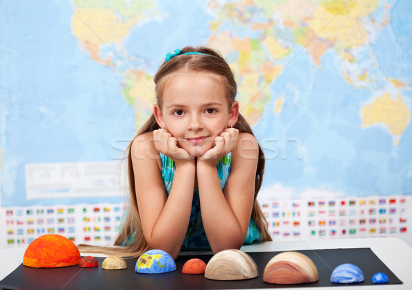 Meisje elementair wetenschap klasse home project Stockfoto © ilona75