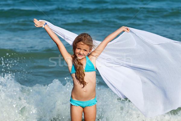 Szabad hullámok tenger lány élvezi szellő Stock fotó © ilona75