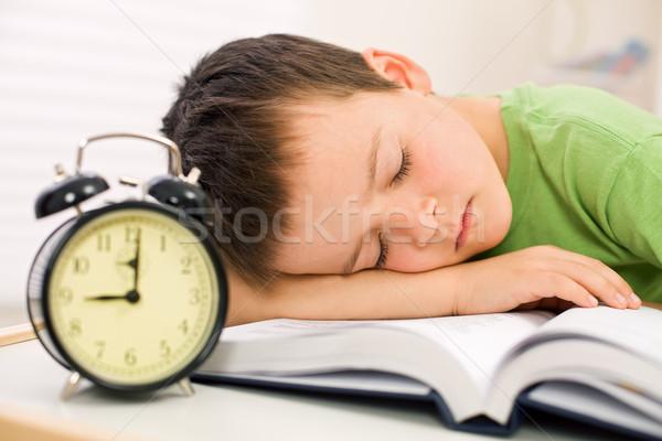 Foto stock: Pasado · pequeño · colegial · libro · estudiante
