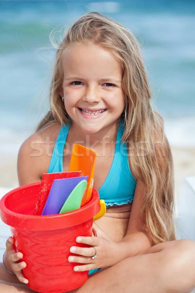 Stok fotoğraf: Küçük · kız · plaj · küçük · kova · kum · kız