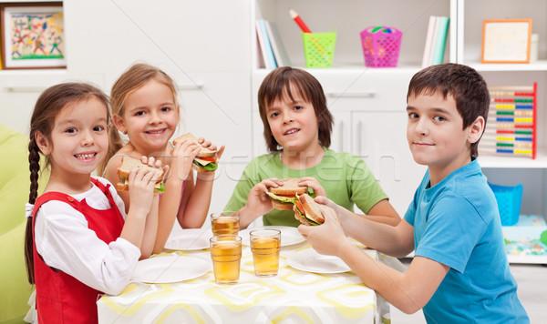 Enfants casse-croûte chambre heureux saine main Photo stock © ilona75