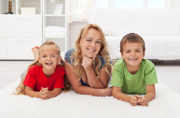 Madre ragazzi home felice piano Foto d'archivio © ilona75