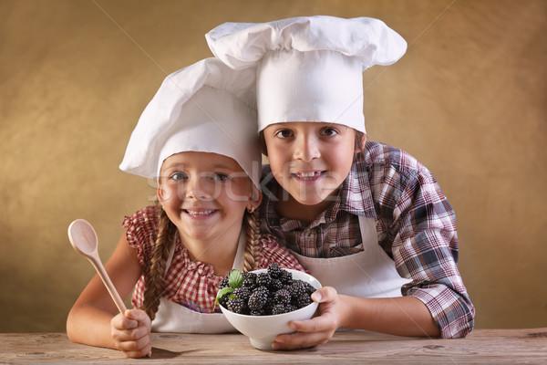 Comer ninos tazón chef Foto stock © ilona75