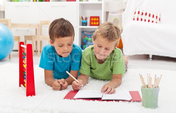 Enfants mathématiques étage forme école Photo stock © ilona75
