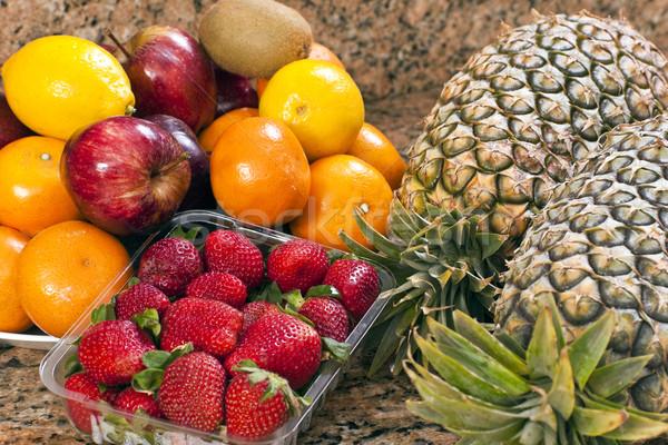 Taze meyve çilek ananas gıda yaprak Stok fotoğraf © Imagecom