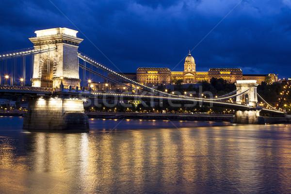 Gece zincir köprü Budapeşte yan Stok fotoğraf © Imagecom