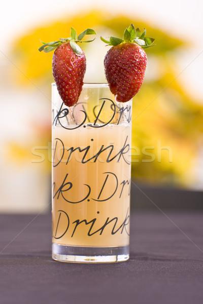 Serin içmek çilek doğa cam Stok fotoğraf © Imagecom