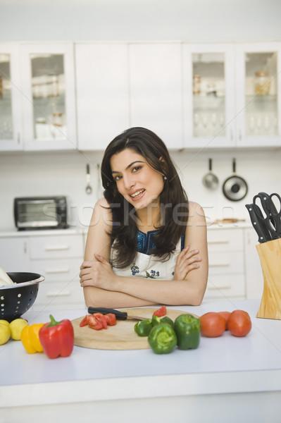 Portrait femme compteur de cuisine maison cuisson Photo stock © imagedb