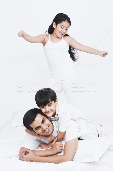 父 演奏 子供 ベッド 家族 子 ストックフォト © imagedb