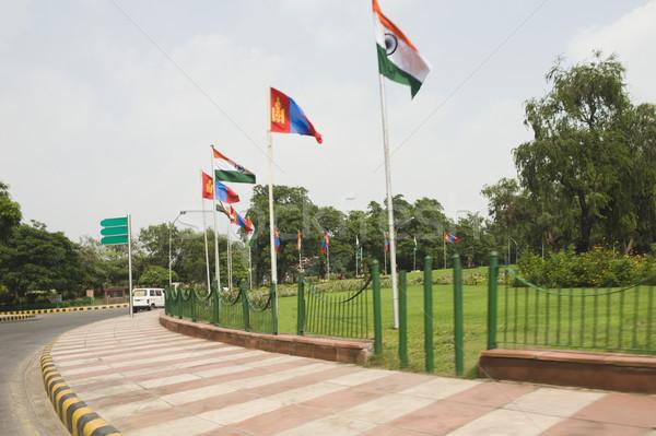 Indian vlaggen rotonde new delhi Indië hemel Stockfoto © imagedb