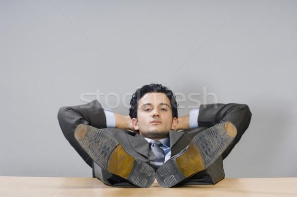 Empresário relaxante pé secretária negócio horizontal Foto stock © imagedb