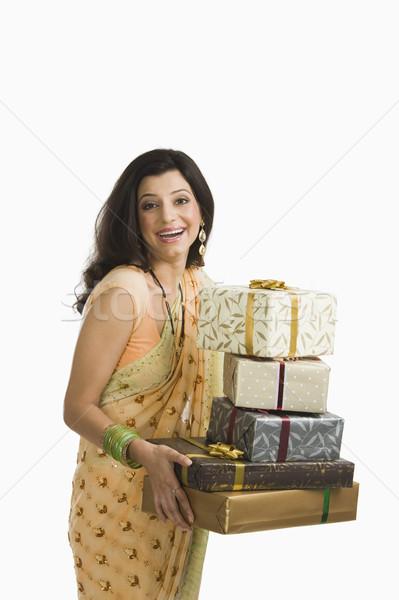 Nő tart diwali ajándékok mosolyog fiatal Stock fotó © imagedb