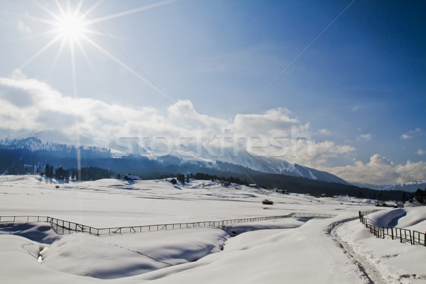 Neige couvert paysage montagne gamme soleil Photo stock © imagedb