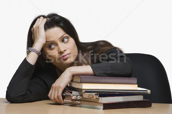 деловая женщина стороны волос бизнеса женщину таблице Сток-фото © imagedb
