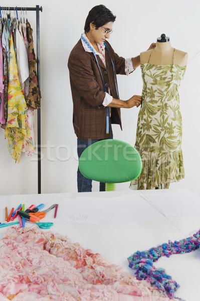 Szabó dolgozik ruházat bolt divat bizalom Stock fotó © imagedb