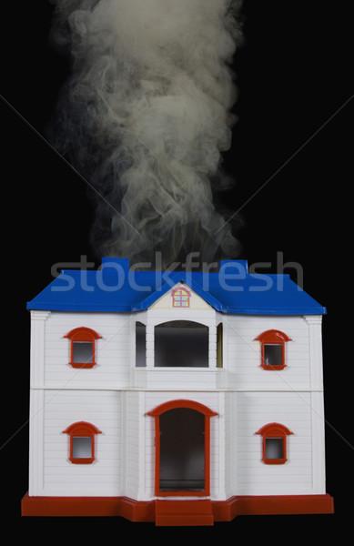 Photo stock: Fumée · sur · modèle · maison · porte · fenêtre