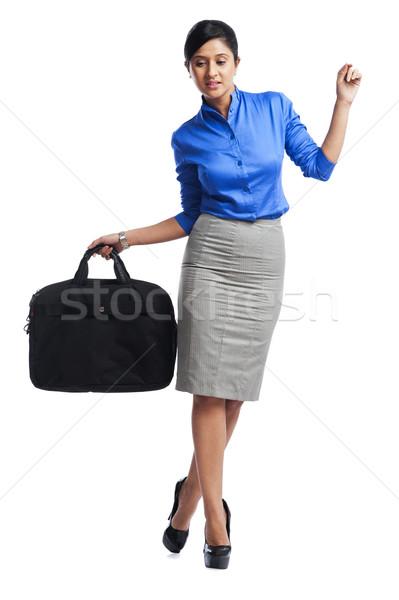 Zakenvrouw lopen business vrouw zak evenwicht Stockfoto © imagedb