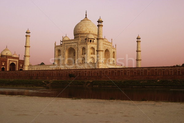 Fiume mausoleo Taj Mahal cielo bianco torre Foto d'archivio © imagedb