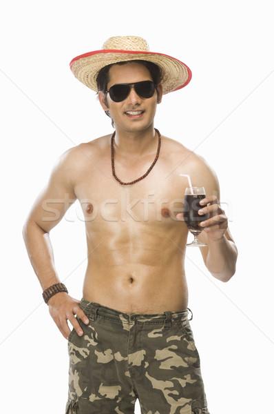 Jonge man glas frisdrank man Stockfoto © imagedb