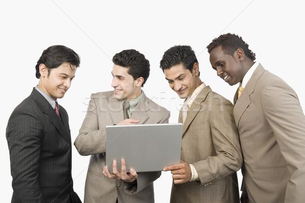 4 ビジネスマン 立って ノートパソコン ビジネス 技術 ストックフォト © imagedb