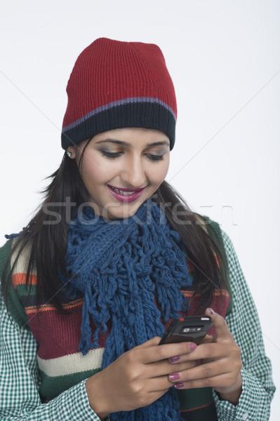 Frau Handy sprechen jungen Glück Stock foto © imagedb