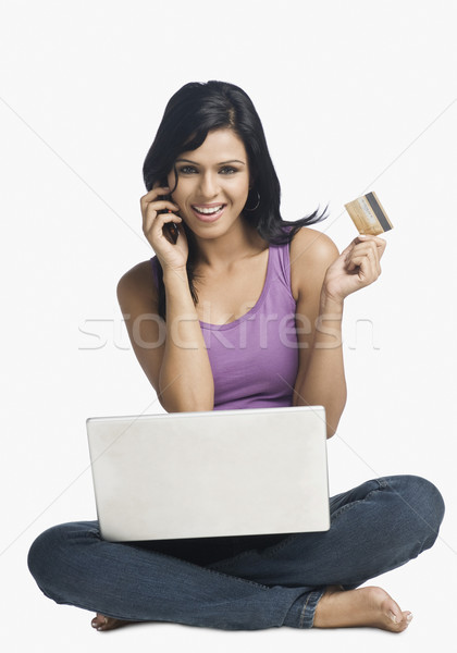 Foto stock: Mujer · compras · línea · hablar · teléfono · móvil · negocios