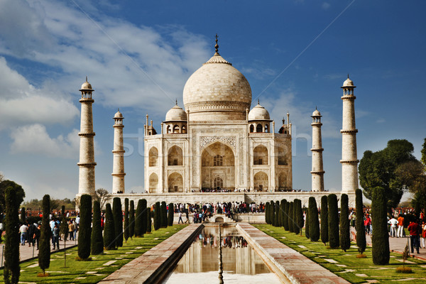 Turisti mausoleo Taj Mahal India cielo erba Foto d'archivio © imagedb