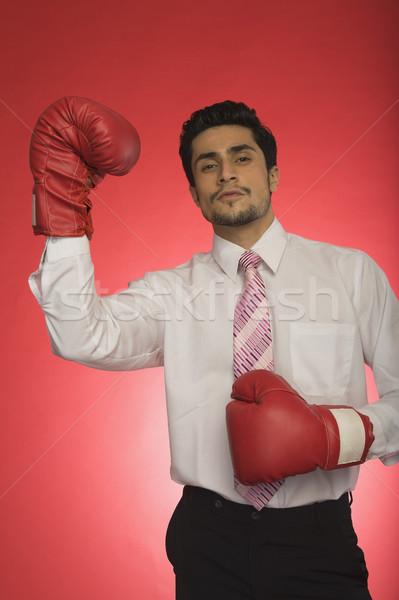 Retrato empresario guantes de boxeo hombre pie Foto stock © imagedb