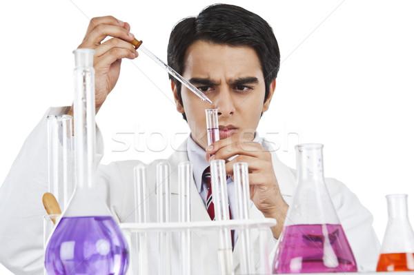 Erkek bilim adamı bilimsel deney laboratuvar adam Stok fotoğraf © imagedb