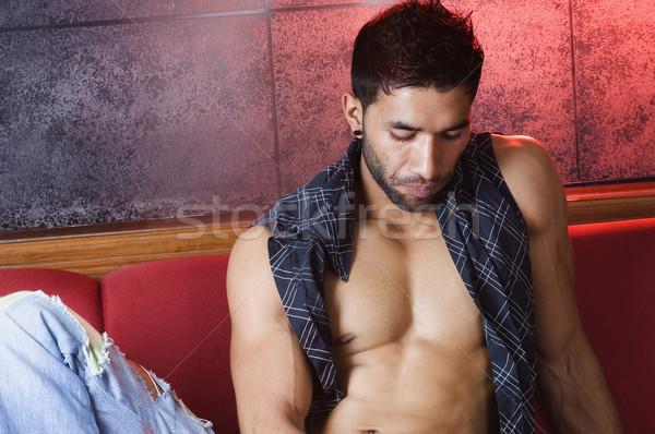 Macho man vergadering bank lichaam Stockfoto © imagedb