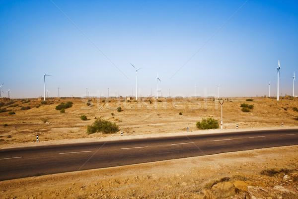 út sivatag szélturbinák távolság tájkép autópálya Stock fotó © imagedb