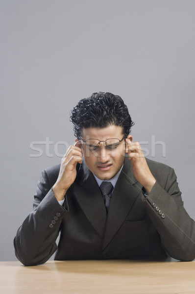 Stock fotó: Közelkép · üzletember · néz · zaklatott · üzlet · asztal