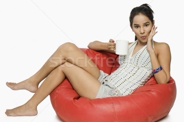 ストックフォト: 女性 · 座って · カップ · コーヒー · 肖像