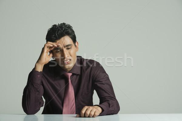 Işadamı bakıyor üzgün adam kravat Stok fotoğraf © imagedb