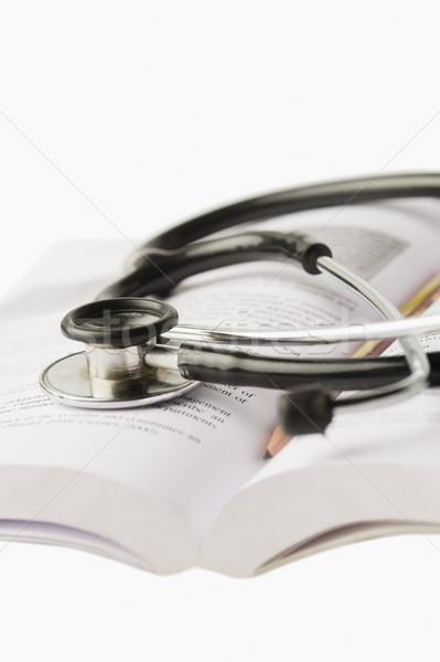 クローズアップ 聴診器 開いた本 教育 研究 写真 ストックフォト © imagedb