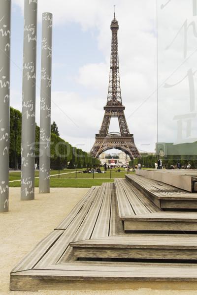 Oszlopok torony Eiffel-torony Párizs Franciaország égbolt Stock fotó © imagedb