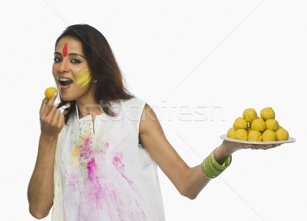 Stok fotoğraf: Kadın · yeme · gülen · sevinç · mutluluk · kutlama