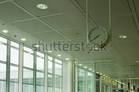 View clock aeroporto lounge Parigi Foto d'archivio © imagedb