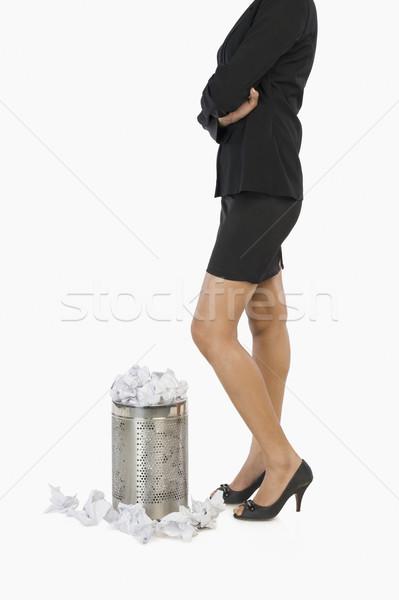 деловая женщина Постоянный бумаги мусора фотографии Сток-фото © imagedb