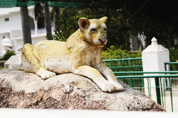 Lion statue parc temple new delhi Inde Photo stock © imagedb