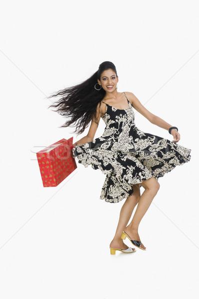 Frau tragen Einkaufstasche Tanz Mode jungen Stock foto © imagedb