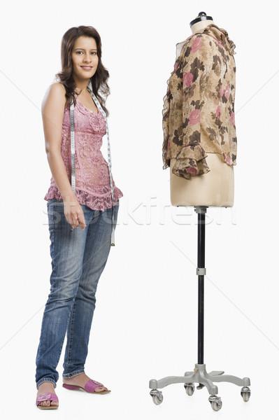 женщины моде дизайнера Постоянный манекен улыбаясь Сток-фото © imagedb